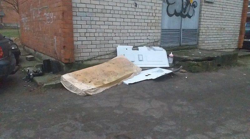 Крупногабаритный мусор на улицах Силламяэ уже не новость