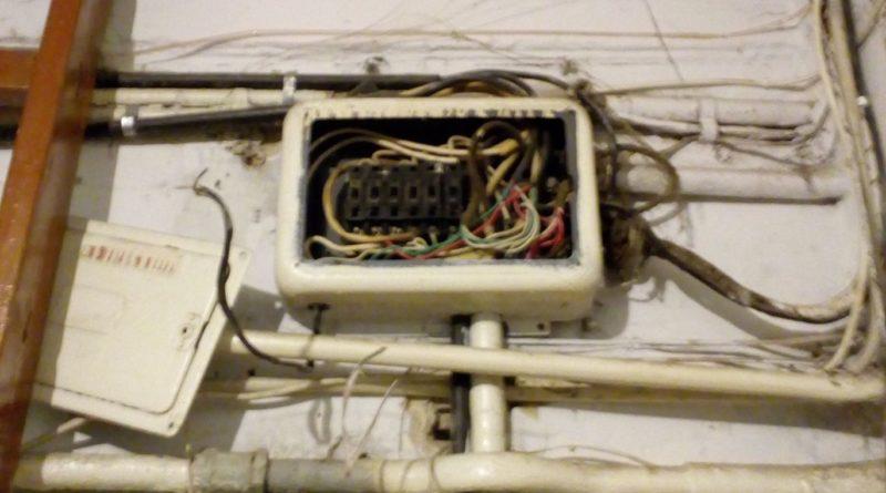 Житель Силламяэ: старая проводка в нашем доме может привести к пожару