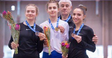 Поздравляемспортсменов и их тренера Евгения Семёновича Терентьева! Желаем успехов и новых побед!