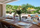 Разыгрывают месяц бесплатного проживания в роскошной вилле в Греции