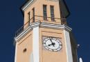 Башенные часы на здании Силламяэского горуправления проходят плановое техническое обслуживание
